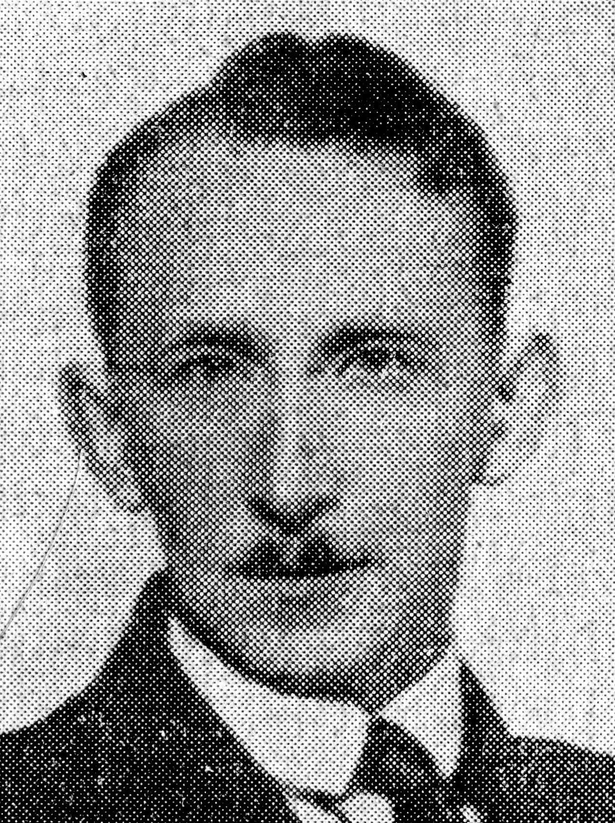 <div class='inner-box'><div class='close-desc'></div><span class='opis'>Stanisław Swianiewicz, lata 30. XX w. Fotografia z leksykonu &quot;Czy wiesz kto to jest?&quot; pod red. Stanisława Łozy, wyd. Gł&oacute;wna Księgarnia Wojskowa, Warszawa 1938 r..</span><div class='clearfix'></div><span>Sygn. sm00169</span><div class='clearfix'></div><span>&copy; Instytut Literacki</span></div>